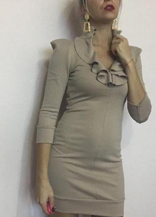 Платье цвета нюд4
