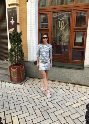 Шикарное платье длинны мини