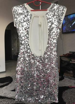 Серебряное платье белое в паетки вечернее2 фото