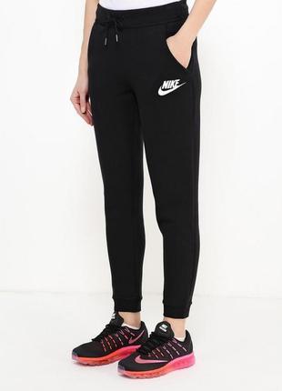 Женские спортивные брюки nike. новые. бирки нет. размер s. оригинал1 фото