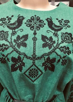Шикарное льняное изумрудное платье с вышивкой вышиванка вишиванка размер 46-483 фото