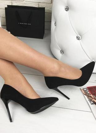 Шикарные чёрные туфли лодочки из эко -замши1