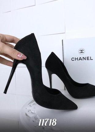 Шикарные чёрные туфли лодочки из эко -замши2