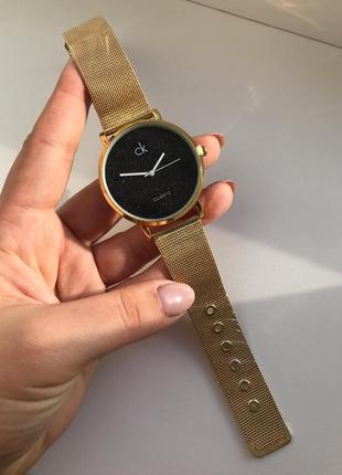 Часы с блестящим нападением внутри циферблата2 фото
