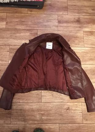 Кожаная куртка винного цвета pull&bear4