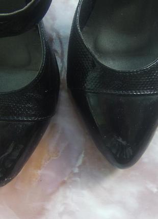 Лаковые туфли-босоножки4