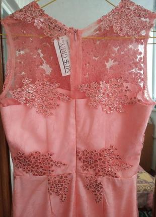 Элегантное нарядное платье нежно-розового цвета4