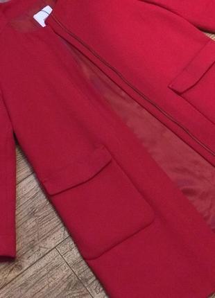 Стильное теплое красное алое пальто mango2