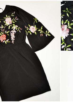 Нежное черное платье с вышивкой цветы1