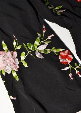 Нежное черное платье с вышивкой цветы5