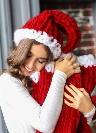 Handmade теплая шапка крупной ручной вязки красного цвета4 фото