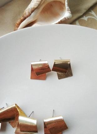 Женские металлические серьги пластины в золотом цвете2