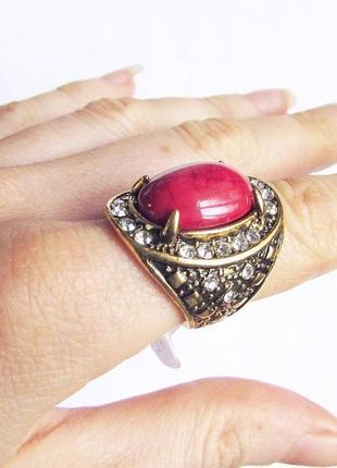Красивое коралловое кольцо, 18 р., новое! арт.89802