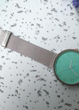 Женские часы на металлическом браслете ремешок нержавеющая сталь5