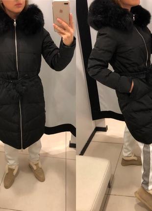 Чёрное приталенное зимнее пальто с мехом mohito куртка с капюшоном есть размеры1