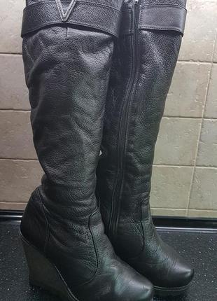 Продам зимние кожаные сапоги1 фото