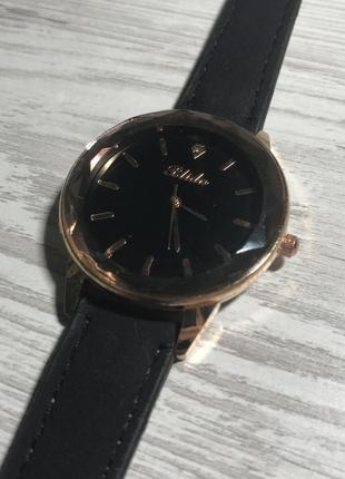 Новые наручные часы, наручний годинник blida