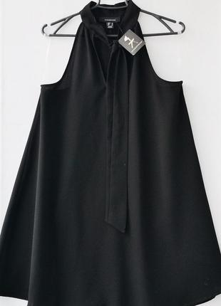 Черное фирменное платье