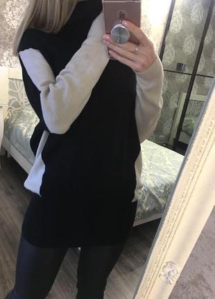 Объемный тёплый свитер в составе 15% шерсть