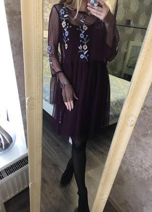 Платье из фатина с вышивкой1 фото