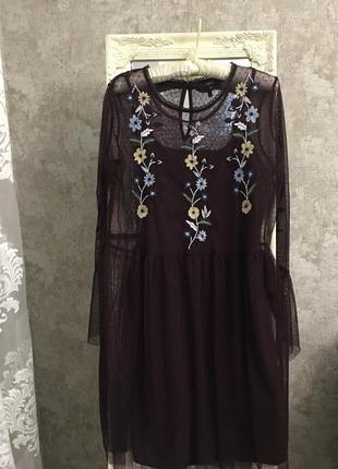 Платье из фатина с вышивкой5 фото