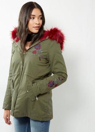 Нереальная парка демисезонная с мехом и вышивкой, куртка, пальто хаки asos new look