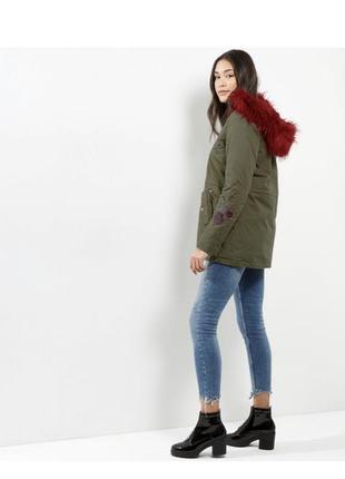 Нереальная парка демисезонная с мехом и вышивкой, куртка, пальто хаки asos new look3
