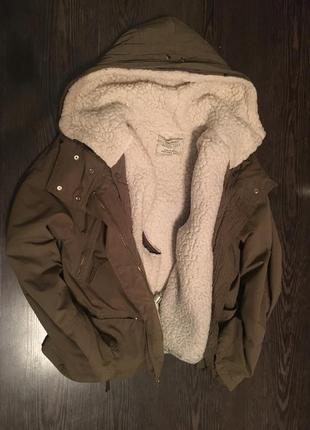 Зимняя куртка дутик zara с капюшоном