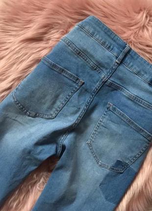 Крутые джинсы с рваным низом4