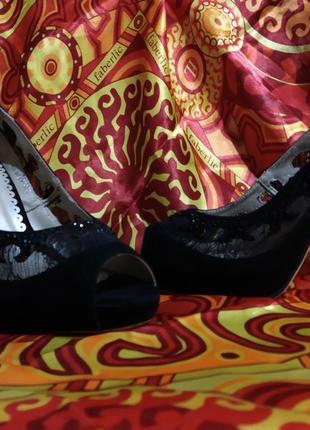 Блистательные туфли на шпильке