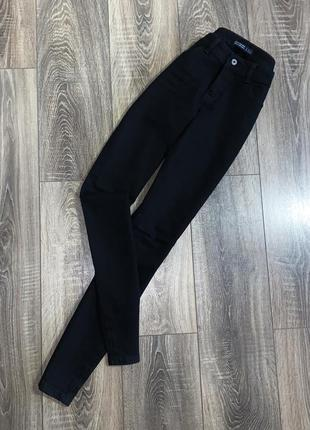 Базовые черные джинсы от zara basic z1975 denim