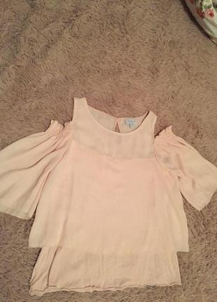 Шифоновая блузка с открытими плечами