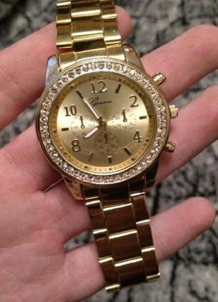Женские наручные часы золотистые. годинник жіночий