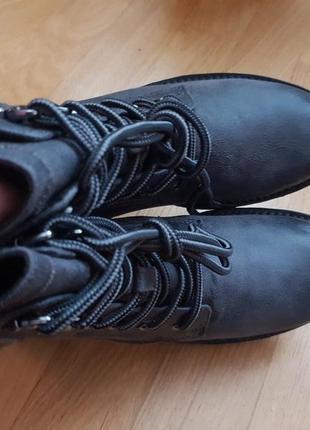 Новые фирменные ботинки на меху 39р./25,5 см2