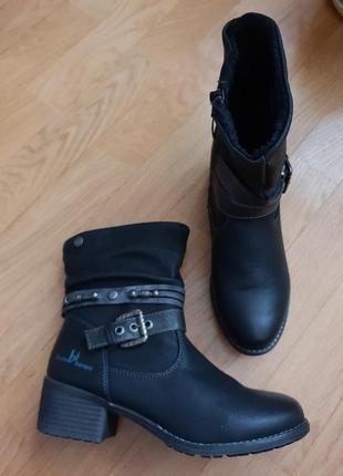 Новые фирменные ботинки на флисе 39р./25 см3