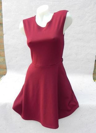 Платье в рубчик винный цвет марсала бордо s/m4