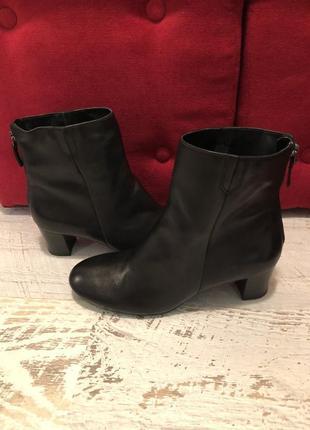 Новые натуральные фирменные ботинки 42р./27 см1 фото