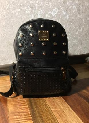 Чёрный женский рюкзак