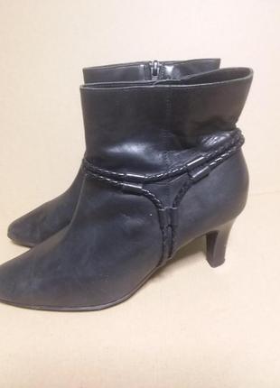 Полусапожки /ботиночки на среднем каблуке