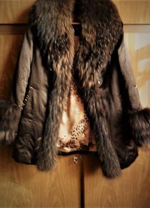Роскошная зимняя курточка с великолепным натуральным мехом на кроличьей подстежке