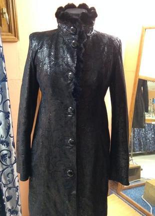 Шикарное замшевое пальто с воротником из норки