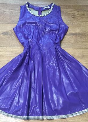 Красивое кожаное платье