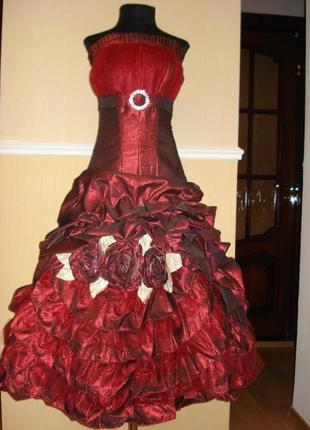 Вечернее коктейльное платье с корсетом разм. 42-44(украинский)