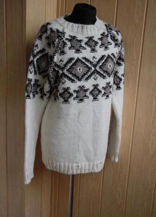 Очень теплый шерстяной свитер