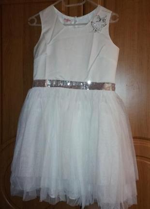 Платье bluezoo  белое нарядное с фатиновой юбкой