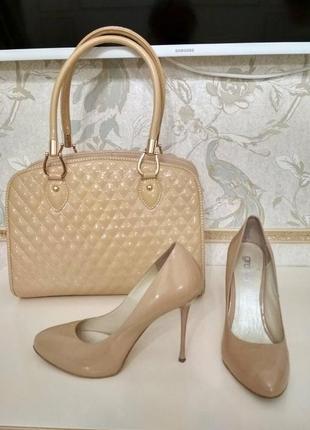 Комплект туфли и сумка лаковые