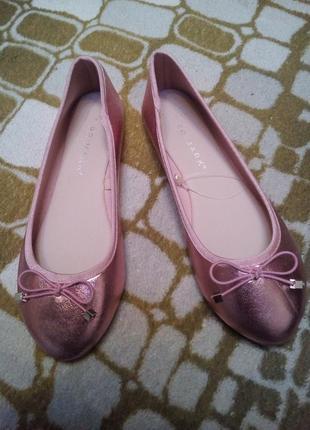Новые туфли, р-р 36-37, дл. стельки 23-23,5 см,