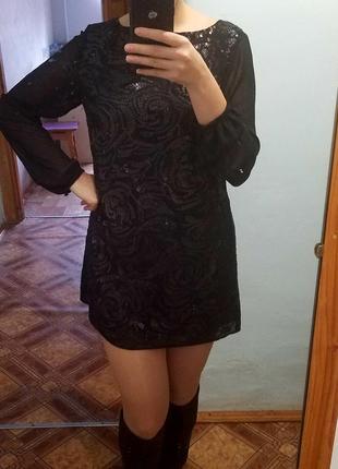 Вечірнє плаття з паєтками