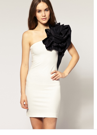 Красивое платье на одно плечо river lsland