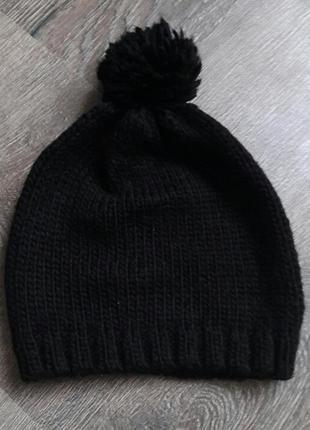 Шапка базовая черная с бубоном